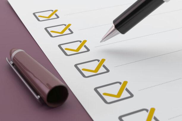 tax checklist pen thumb
